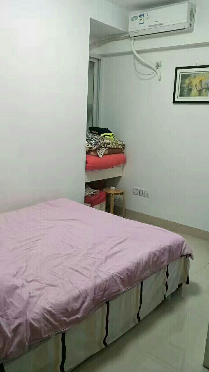 三远江滨花园4室2厅2卫135万元