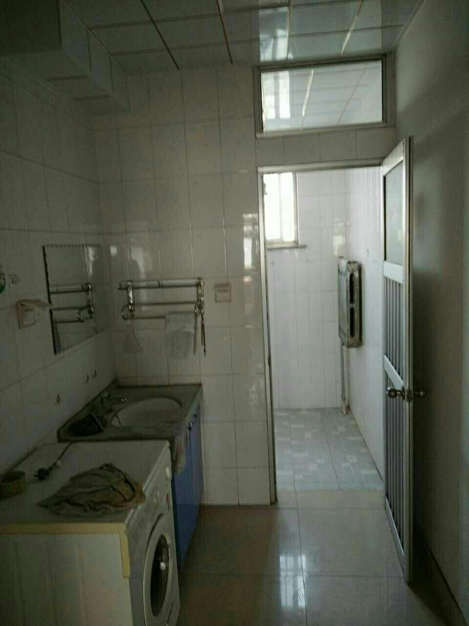 农业局家属院(中医院后面)房租年付,房子绝对干净