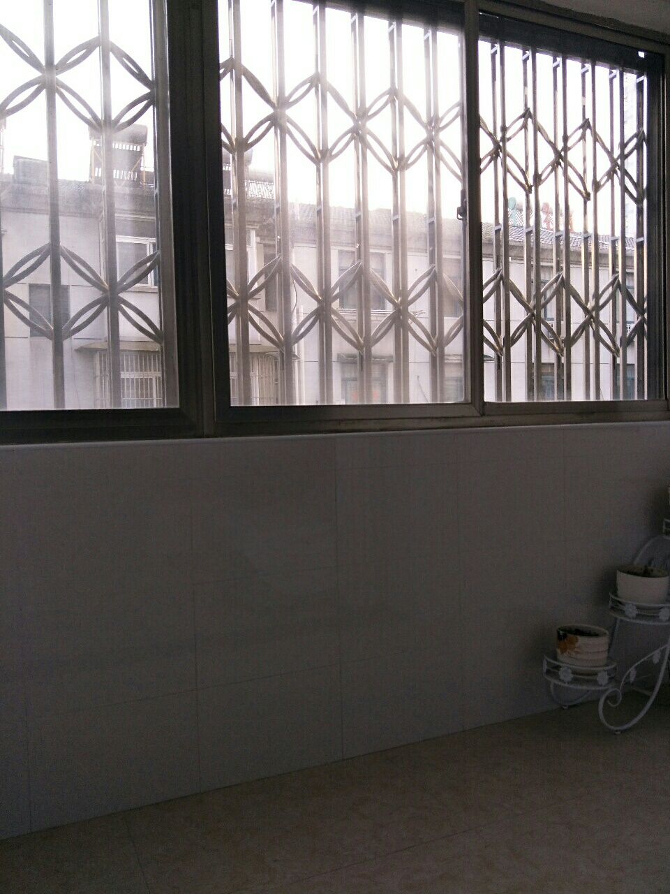 圩西小区多层3楼78平米精装修63.5万元急售