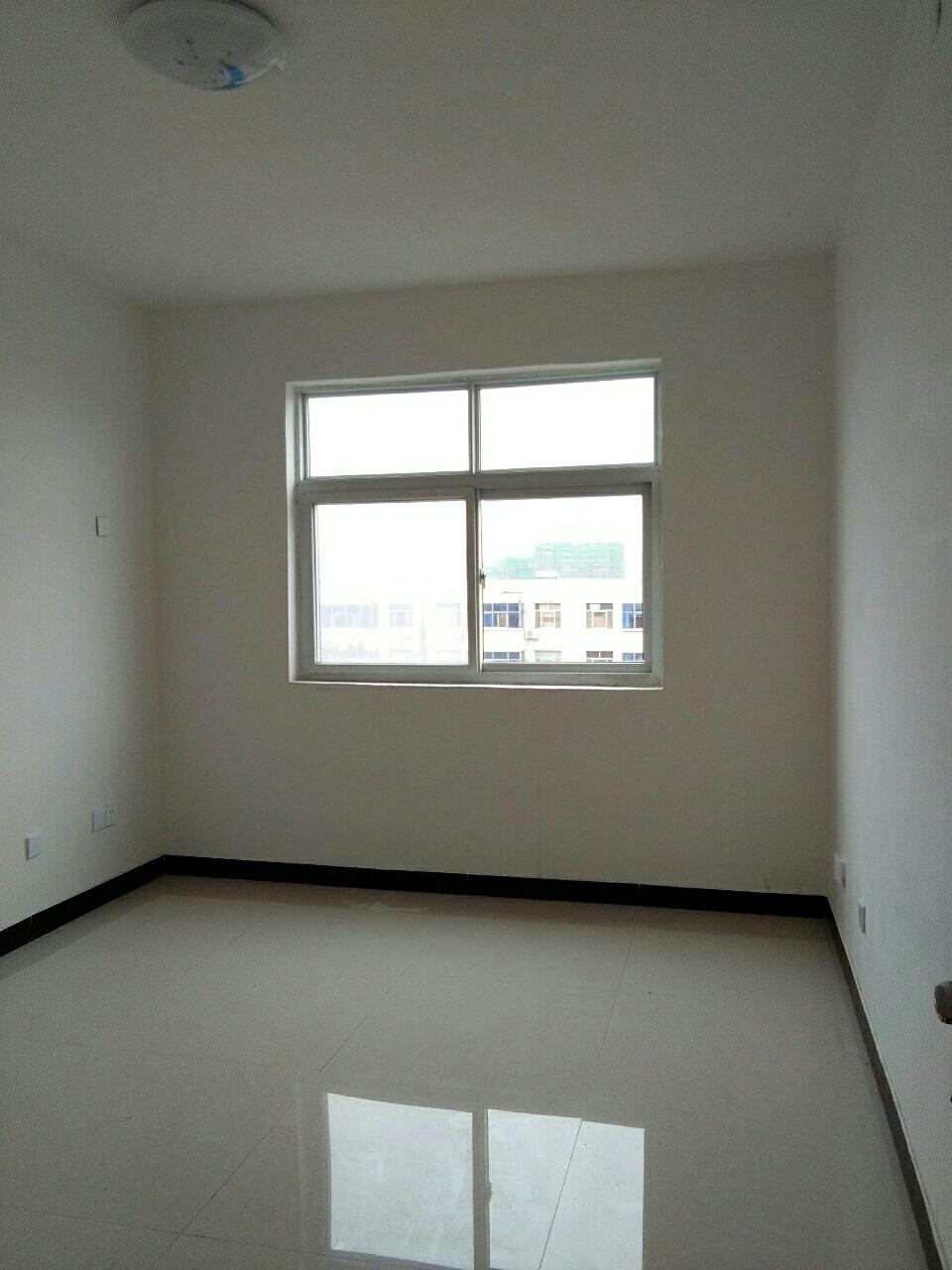 北马道五楼不是顶层3室2厅储藏室800元/月