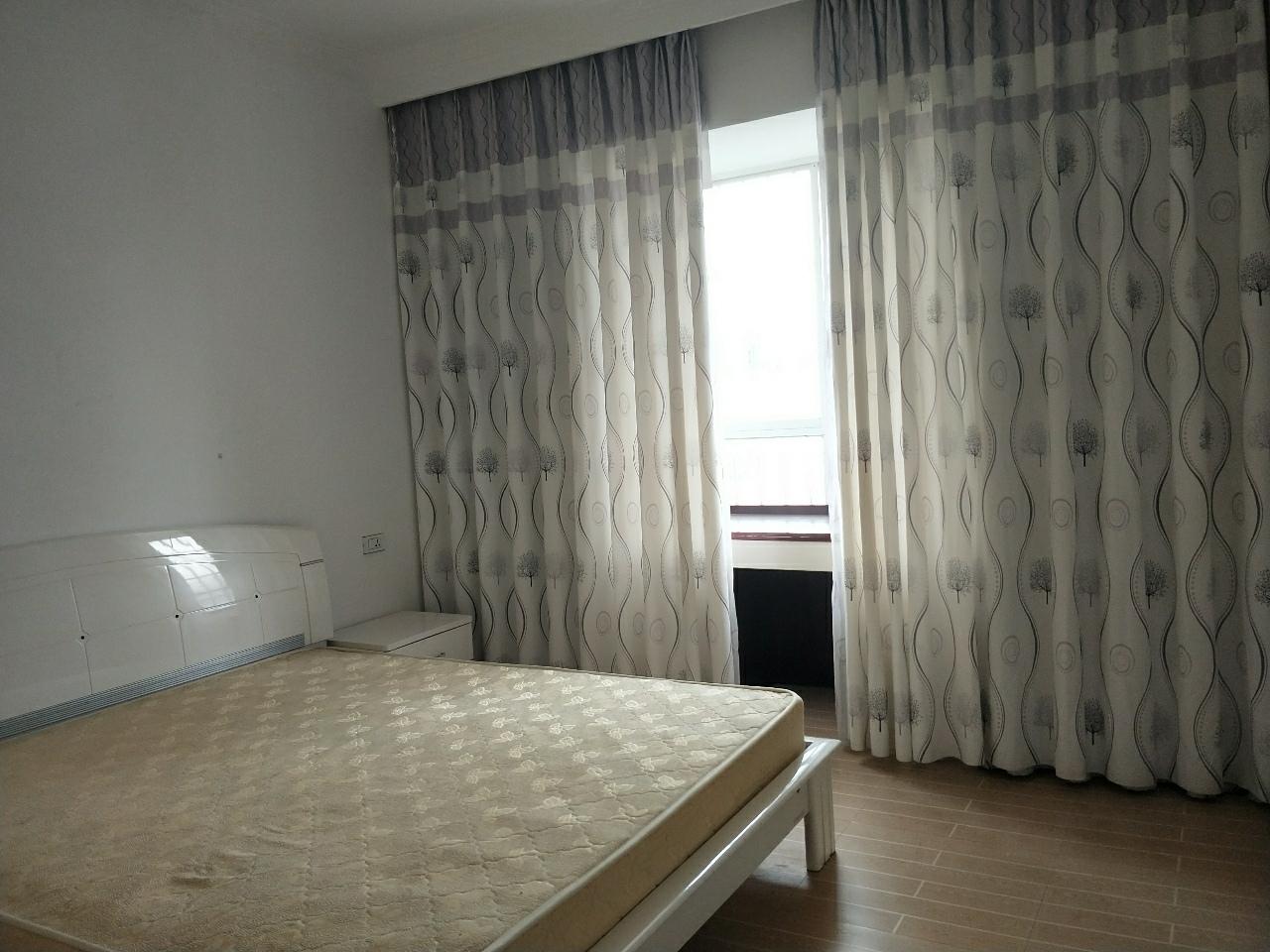 龙腾锦城3室2厅1卫18600元/月