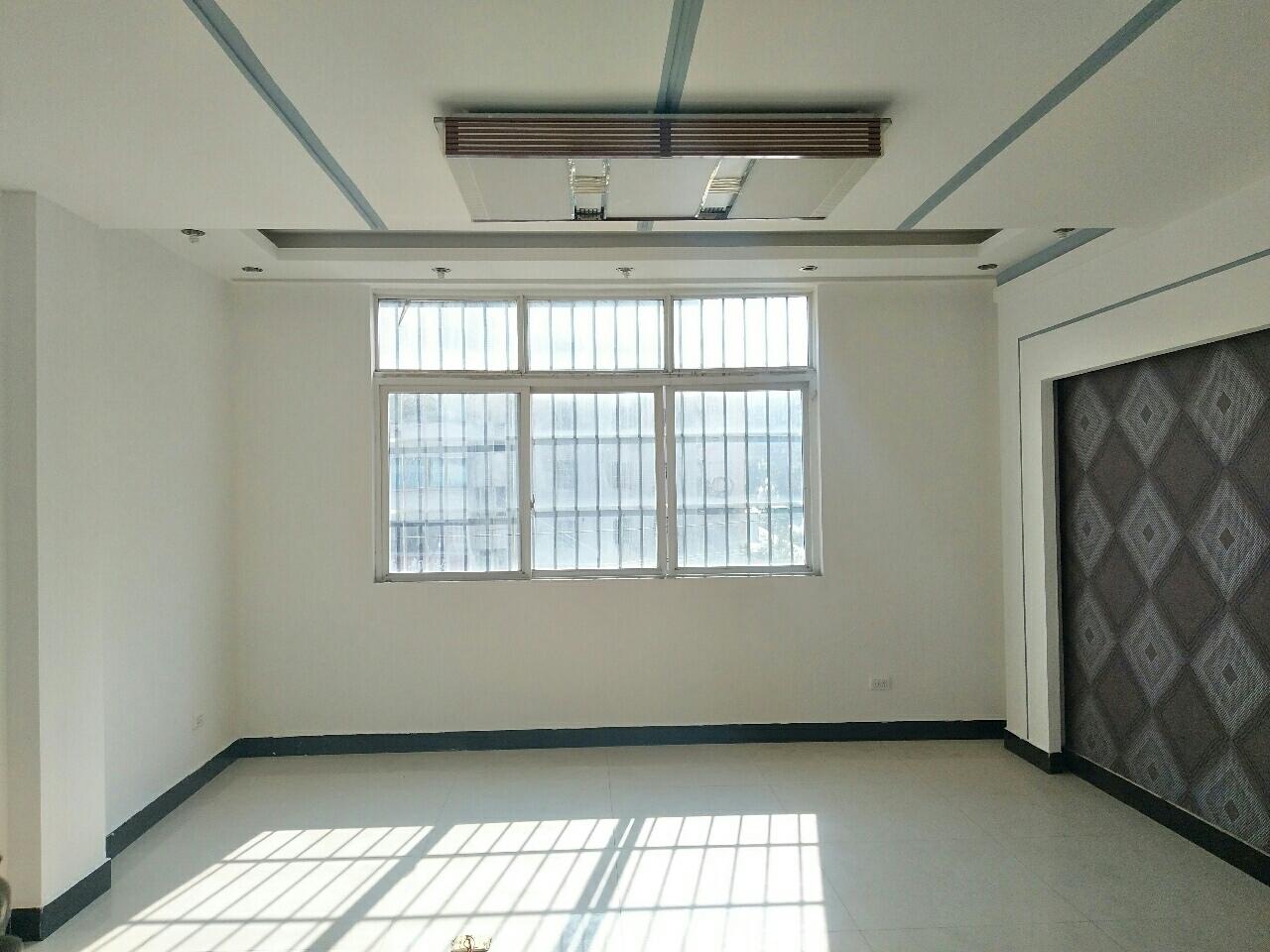 街心花园旁创富鑫都4室2厅1卫49.8万元看房方便
