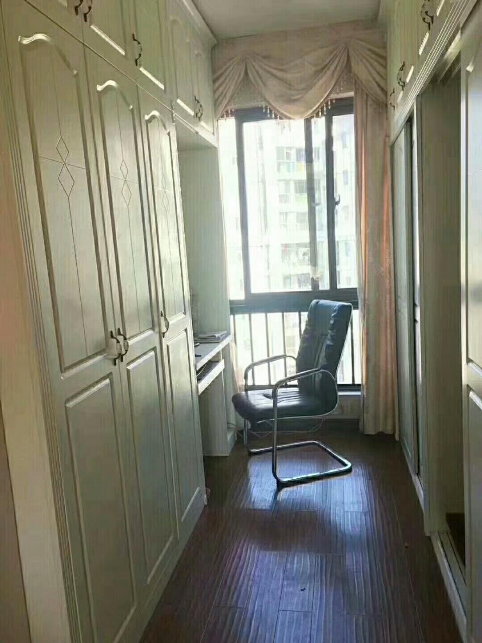 美地华府4室2厅2卫83.8万元