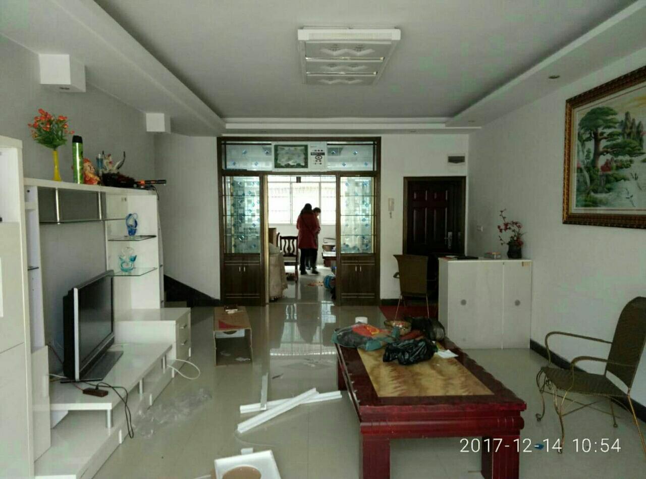 龙腾锦城3室2厅2卫70万元2楼