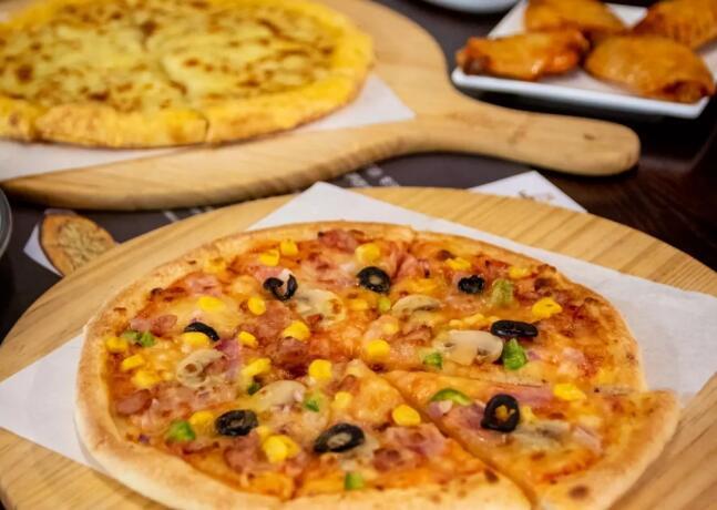 【乐迪兹比萨】周年庆连续两周榴莲披萨买一送一!