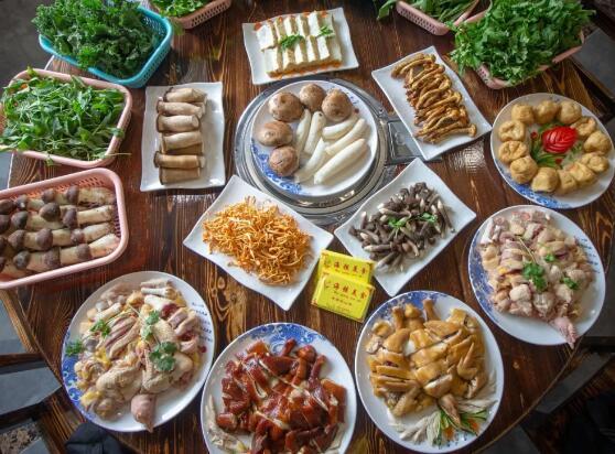 【阳山鸡】一间专注阳山鸡原生态食材的11年老店!食过返寻味!