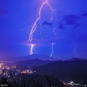电闪雷鸣001