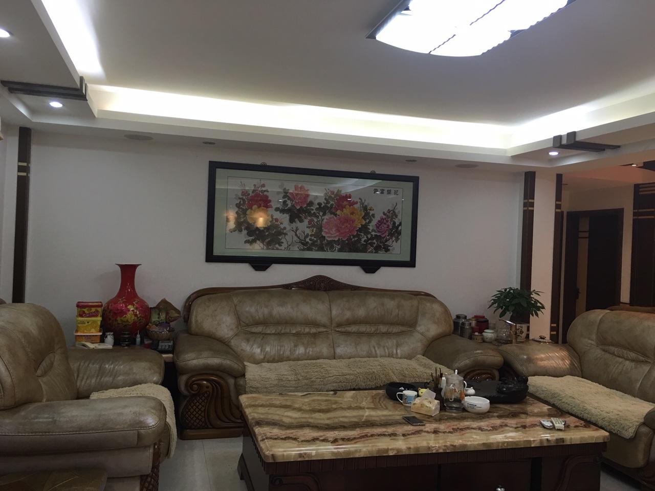 降价急售揭西金凤花园4室2厅2卫85万元