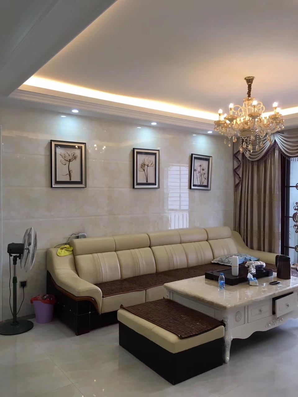 翰林苑4室2厅2卫138万元