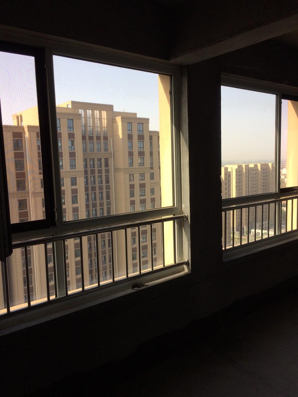 渤海华府三号楼22楼3室2厅1卫53万元