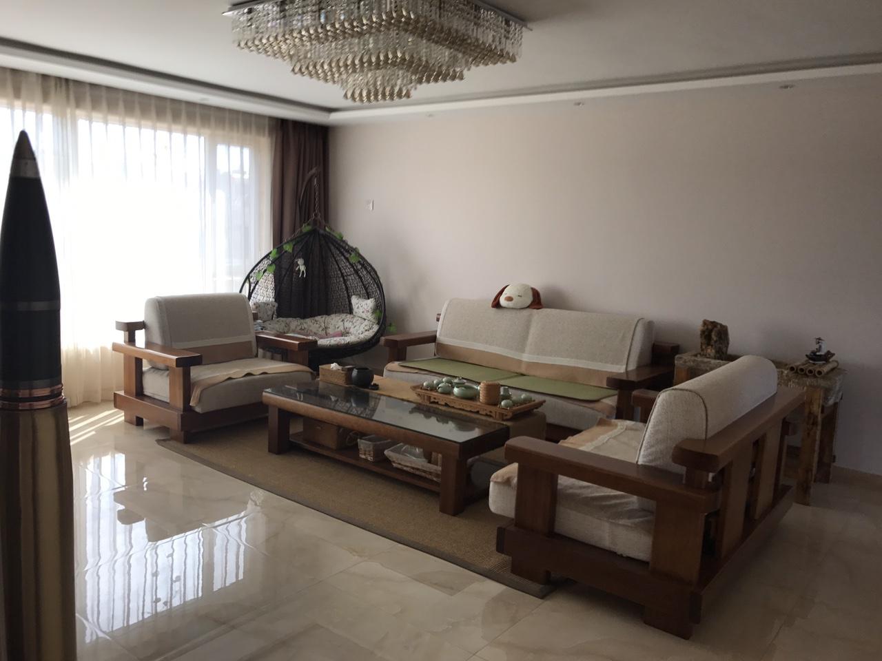 鹤林苑4室2厅2卫110万元