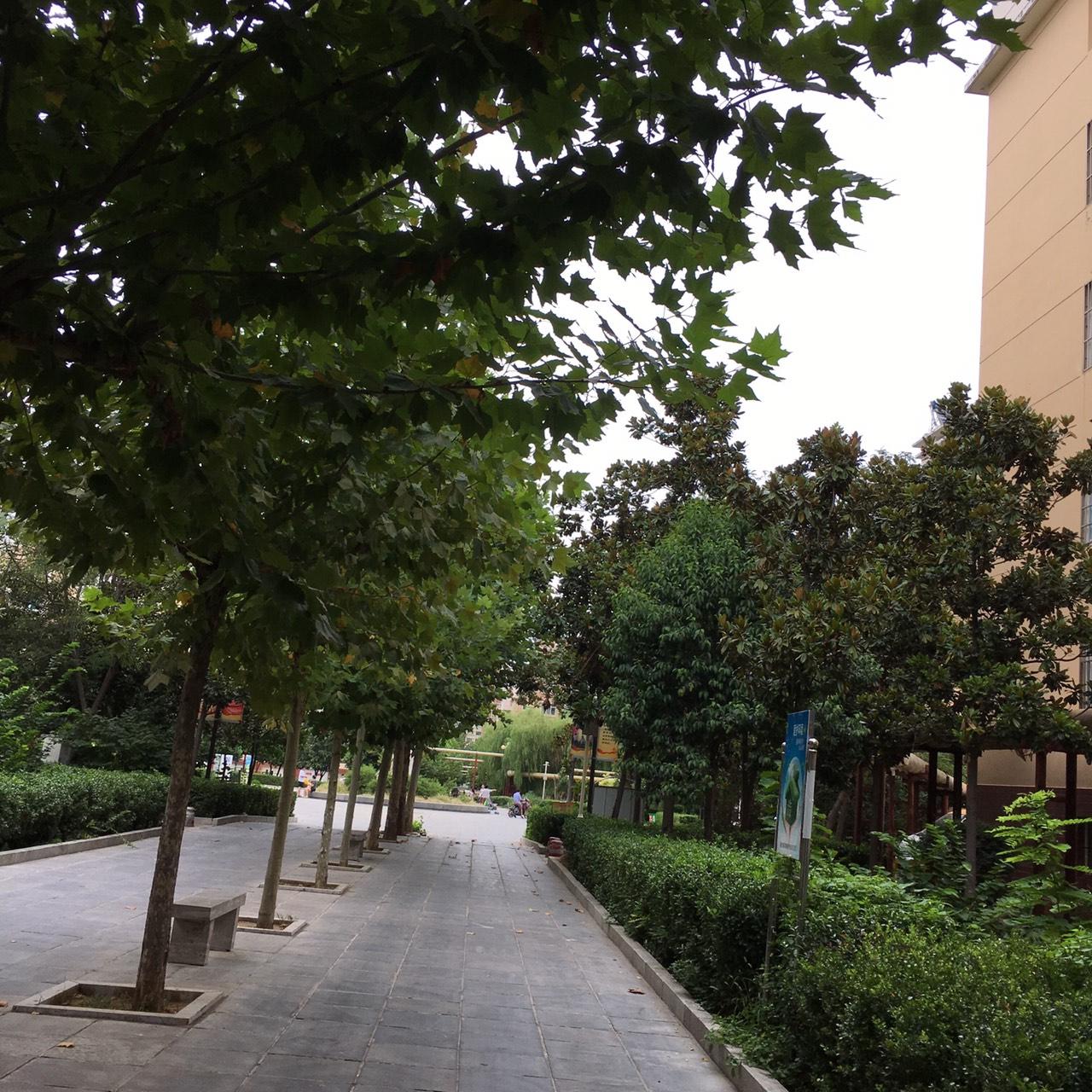 燕京花园小区4室2厅1卫76万元