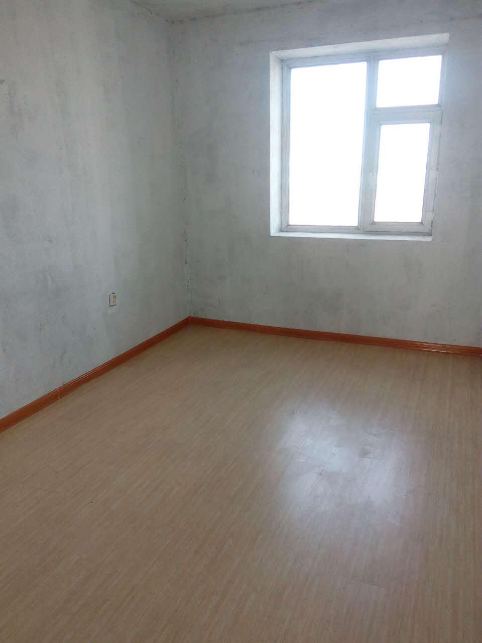 华溪小区3室1厅1卫1200元/月