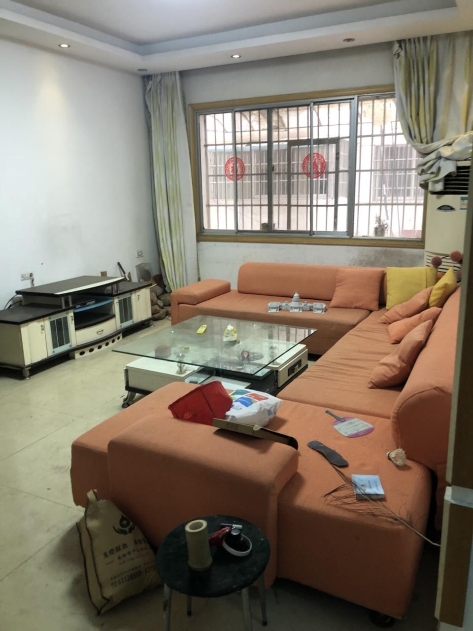 民兵基地3室2厅2卫有房产证32.8万元
