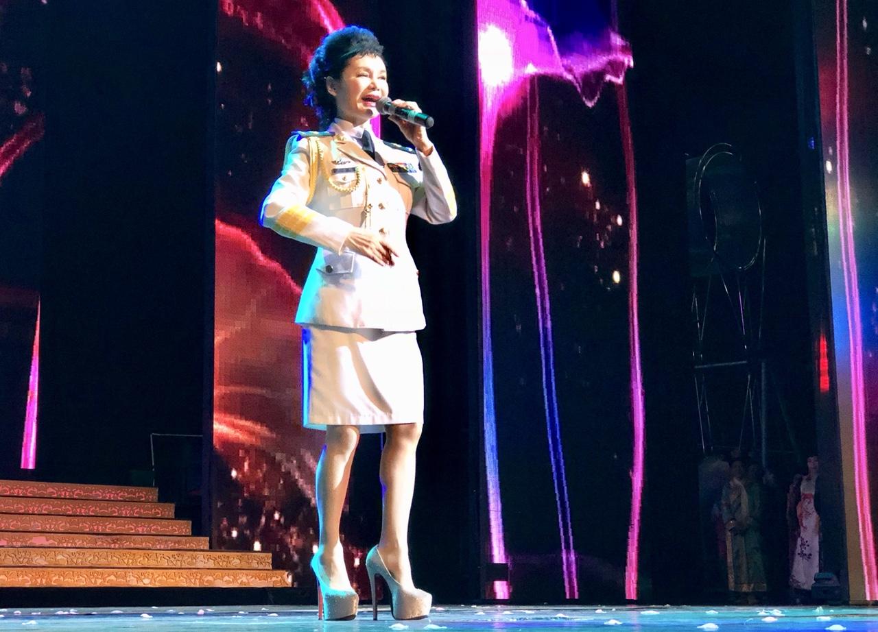 女高音歌唱家:张华敏—手机随拍