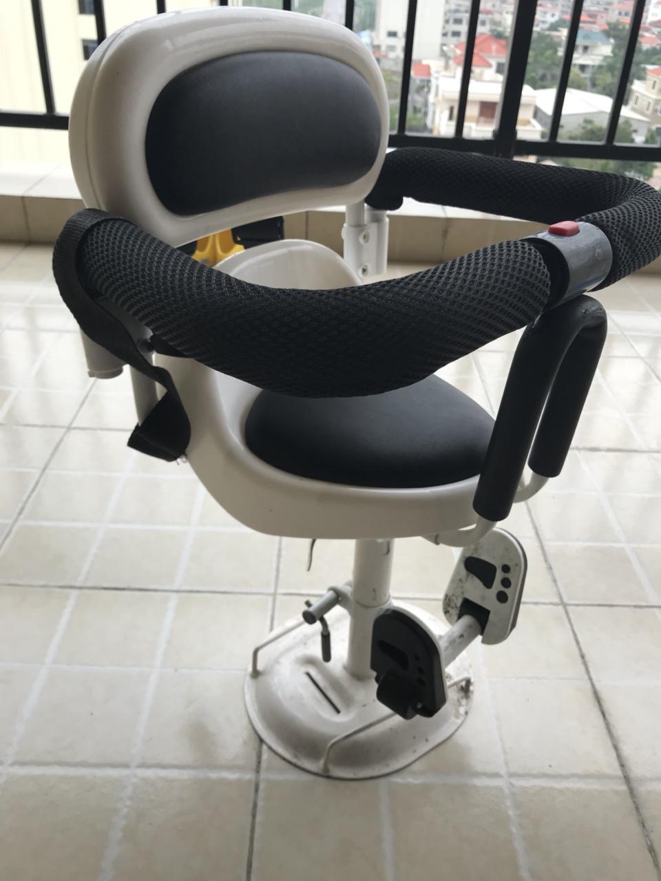儿童电动车座椅,基本全新,目前闲置处理