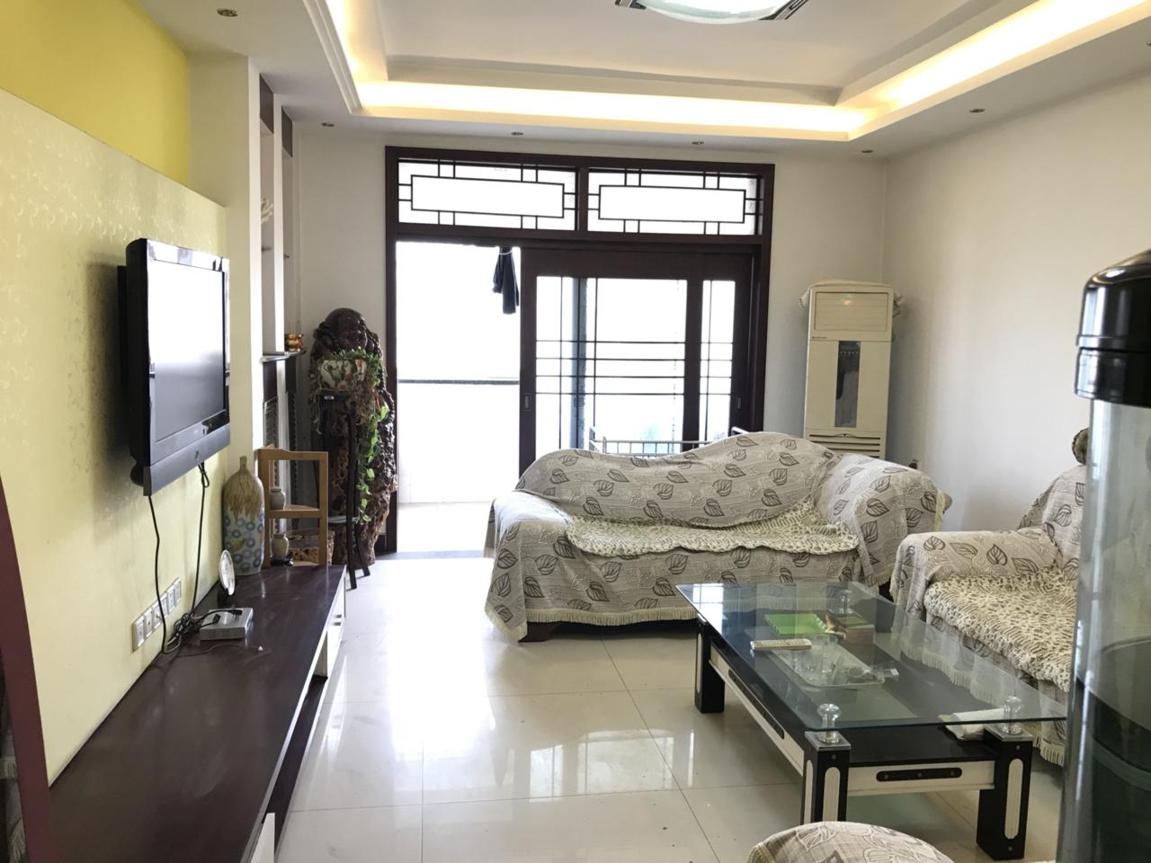 兴弘花园3室2厅2卫92万元