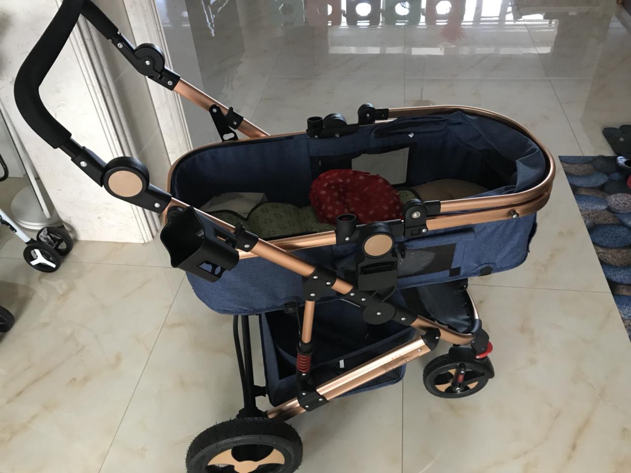 基本全新的婴儿推车