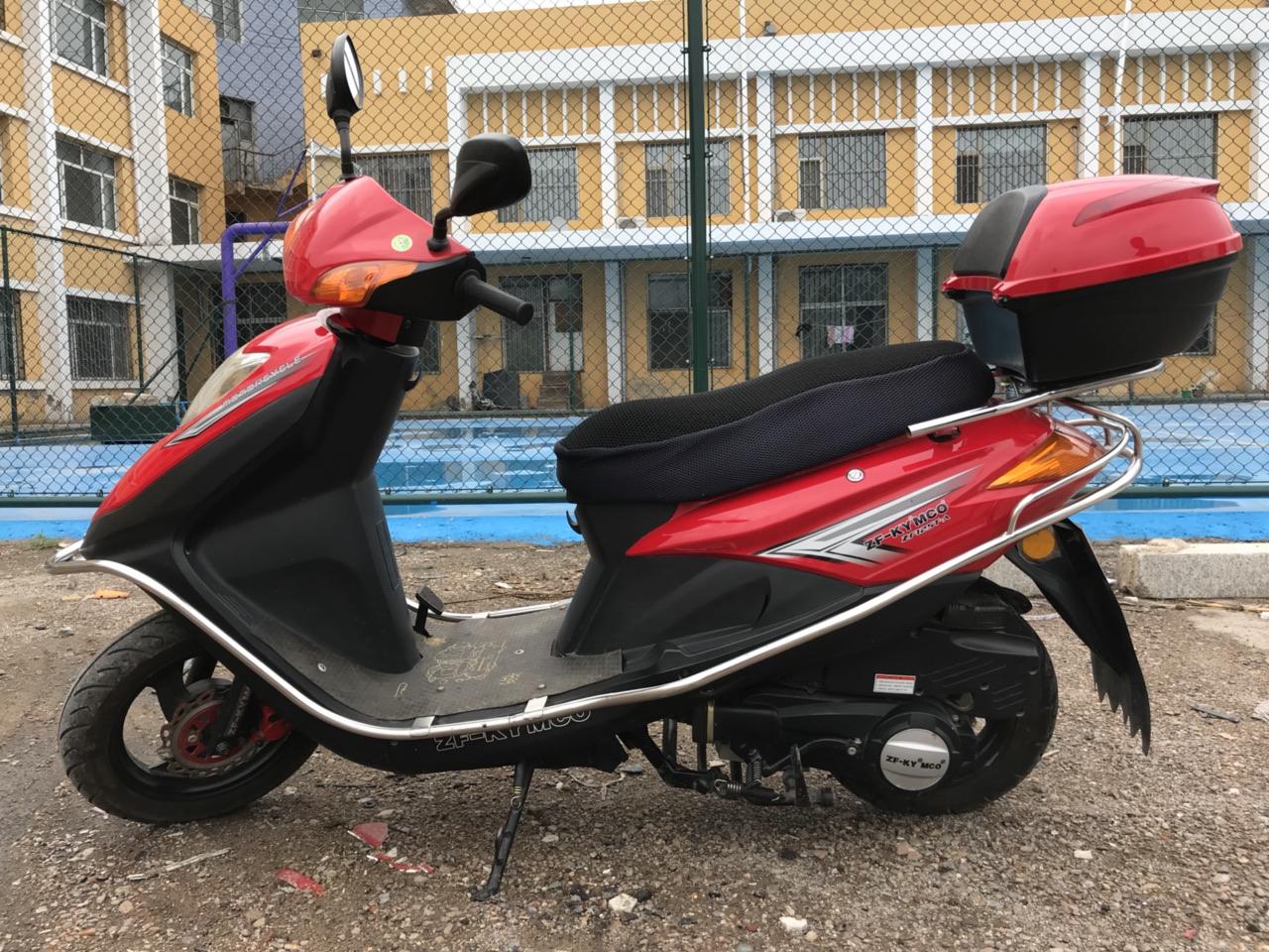出售凤凰牌摩托车???,非常新,非常好骑,各项功能都正常,没有任何维修,在县里骑了1800KM.可以...