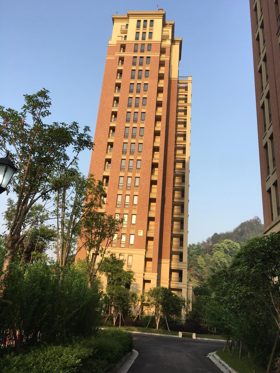 mg电子游戏网站市安定区友谊广场朝阳锦城二单元601室3室2厅2卫78万元