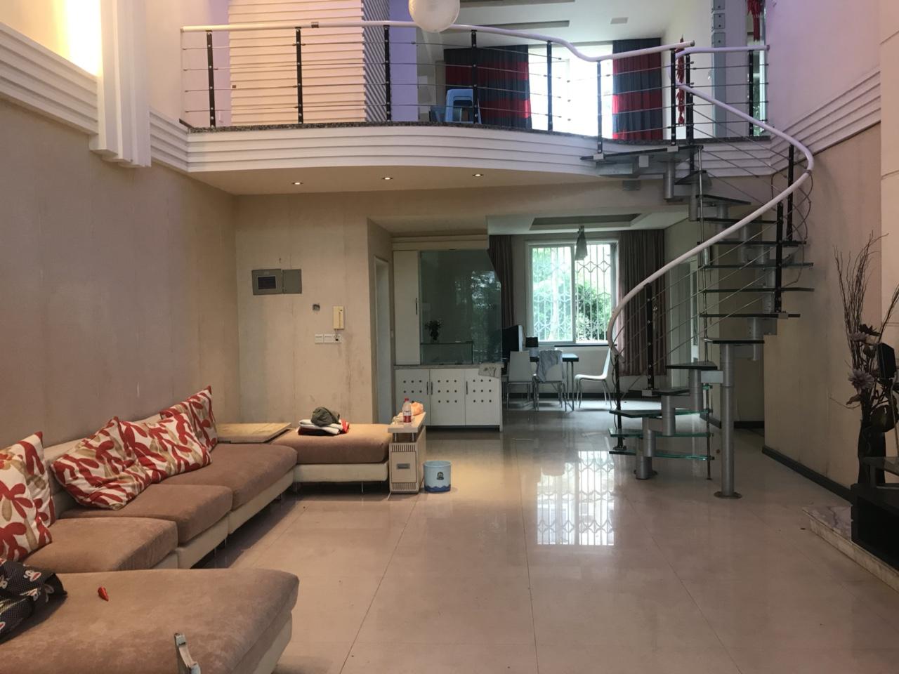 丽景时代3越4正中庭带阳台3室2厅3卫115万元