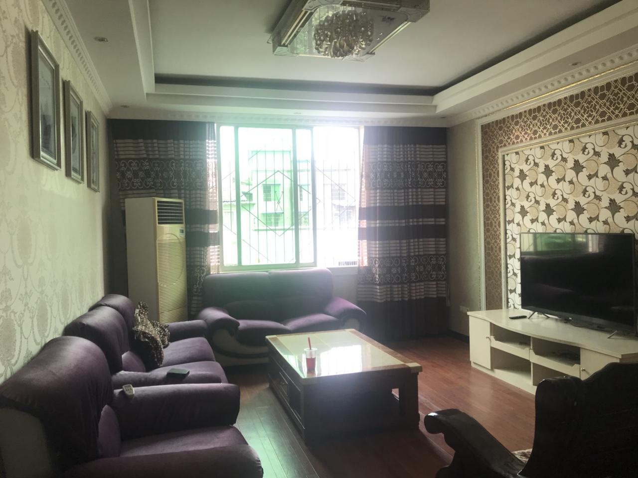 金秀公寓5楼3室2厅2卫66.8万元