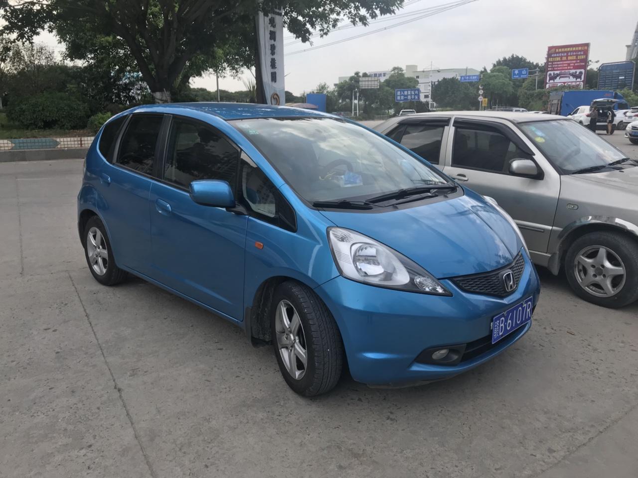 车在深圳  在深圳的老乡欢迎来看车 很少回家  09年12月份车 8万公里  二代本田飞度 1....