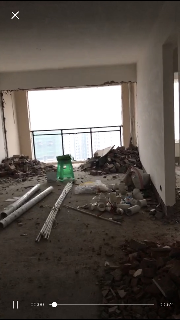 旭岩安置房4室2厅2卫68万元