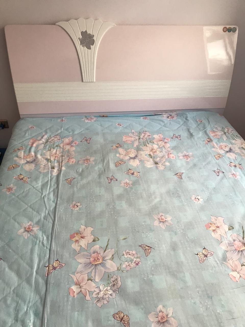 宽1.5米长2.0米实木床出卖,自己家用的,质量很好280