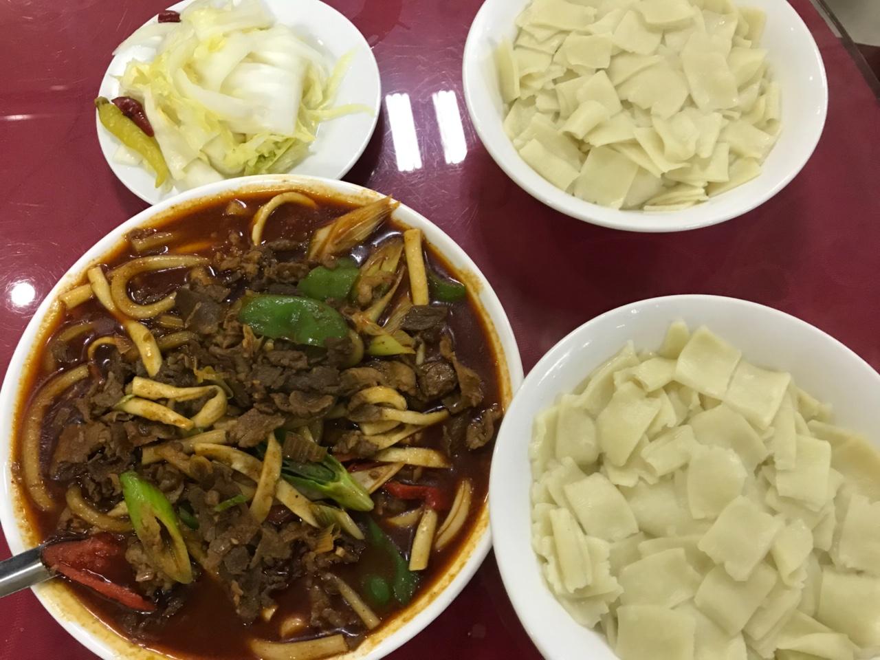 【舌尖上的张家川】黄花小菜下靖远羊羔肉,味美肉鲜。