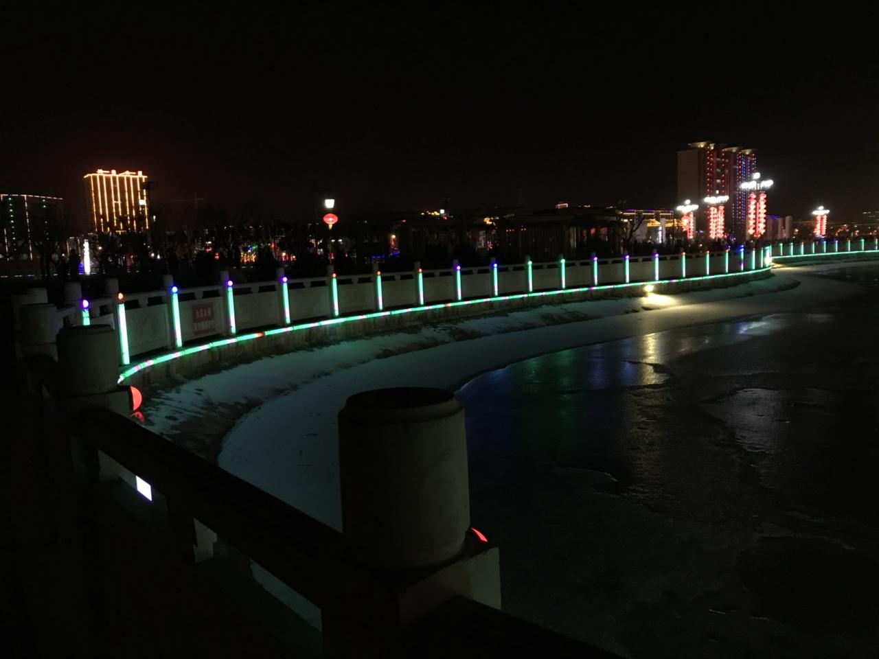 两条巨龙降卧轩辕湖,清水灯展绚丽了整个朋友圈