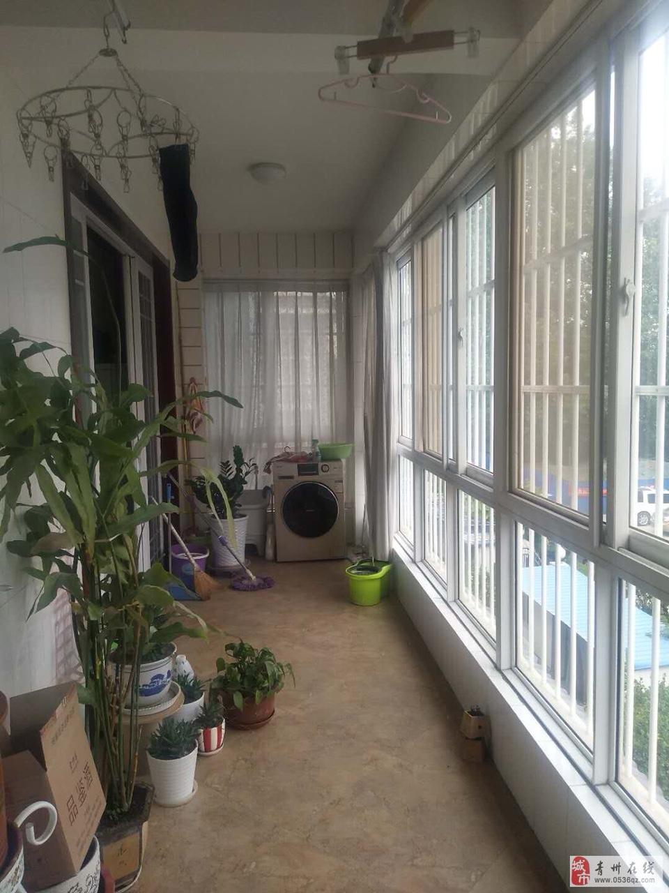 东青花园3室 2厅 2卫128万元