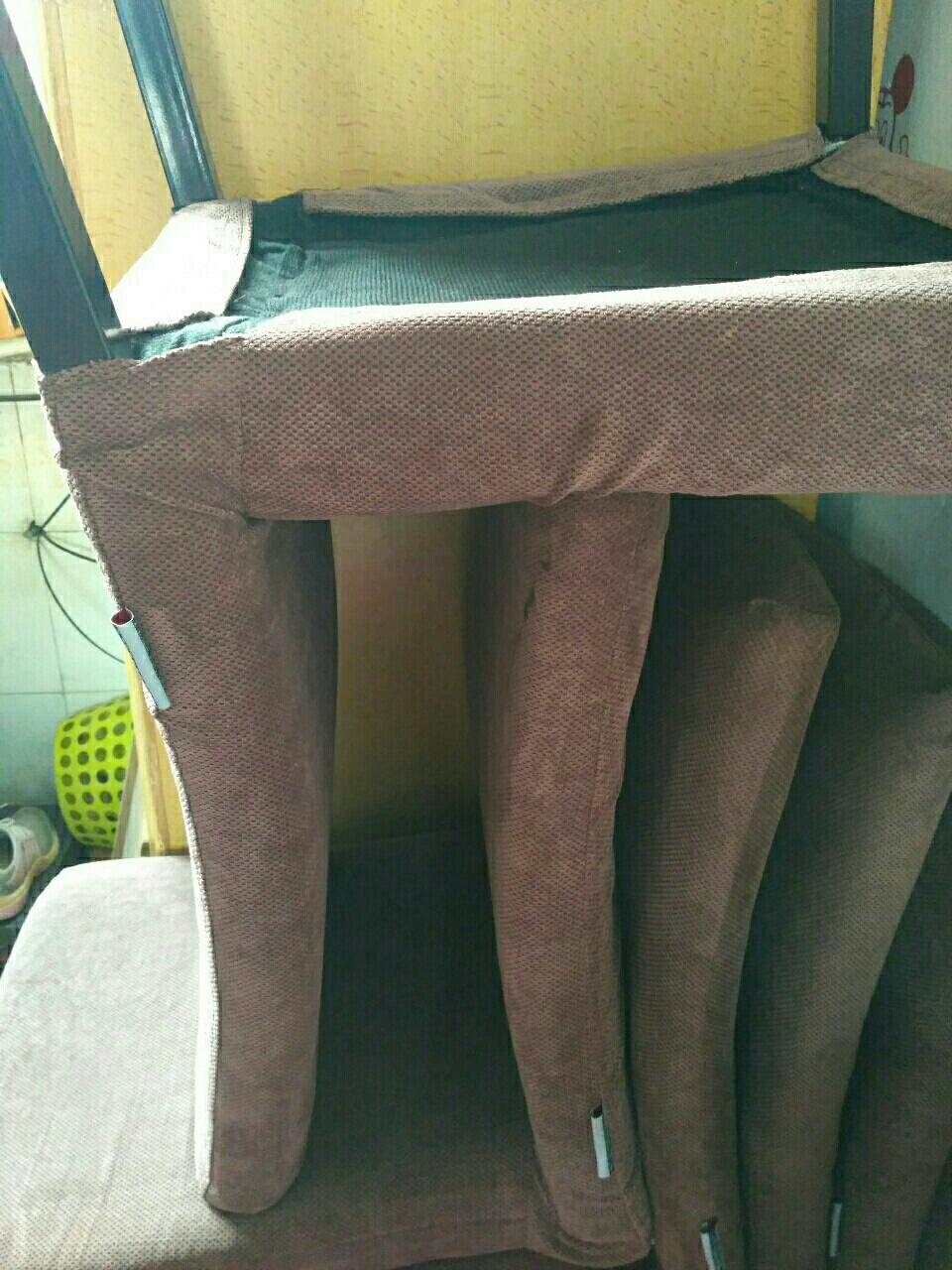 处理餐桌椅子