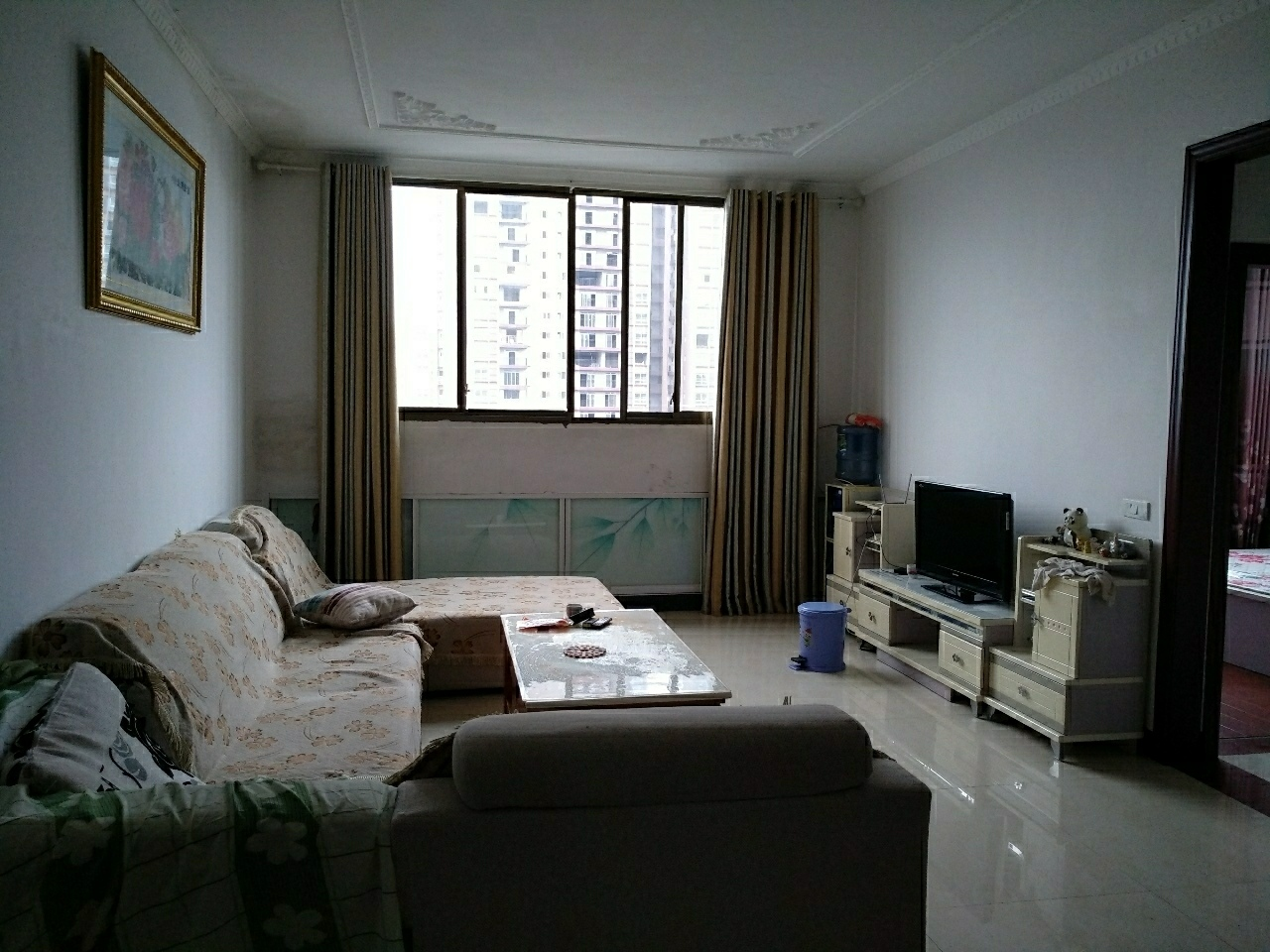 张湾还房3室2厅2卫1200元/月