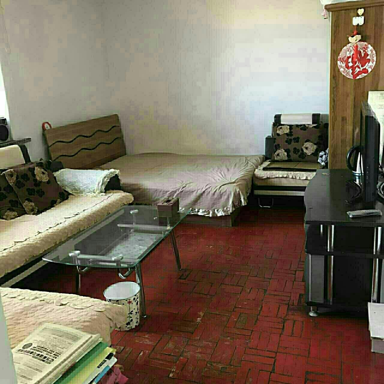 荣华小区1室1厅1卫12万元