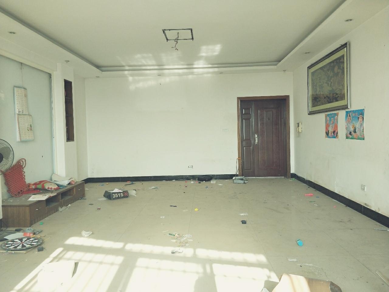 顺合苑5室2厅3卫62万元