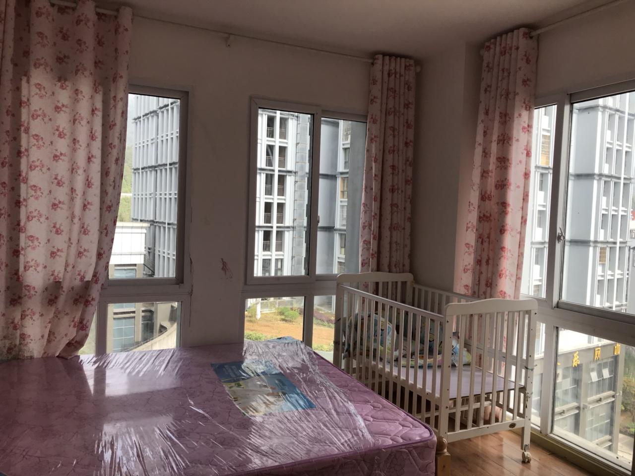 沸城时代装修好的2室,仅售32万。