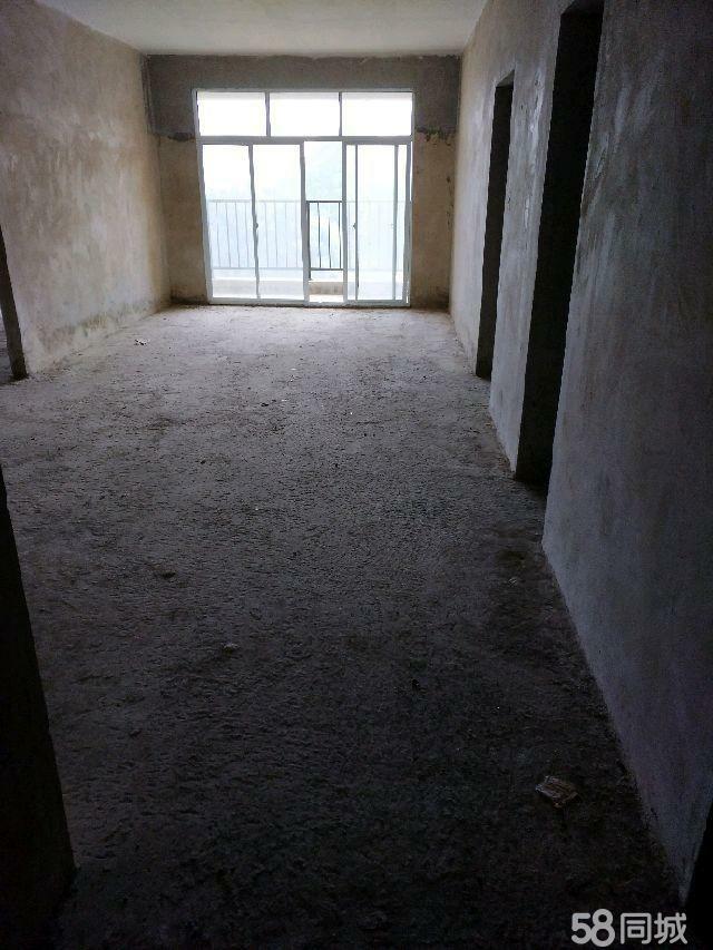 中东国际。3室2厅1卫48万元