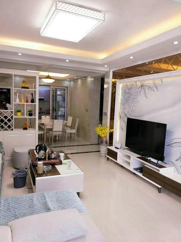 一线江景电梯5室2厅2卫213万元