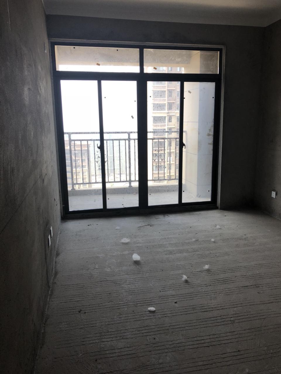 状元府3室2厅小三居学区房69万元
