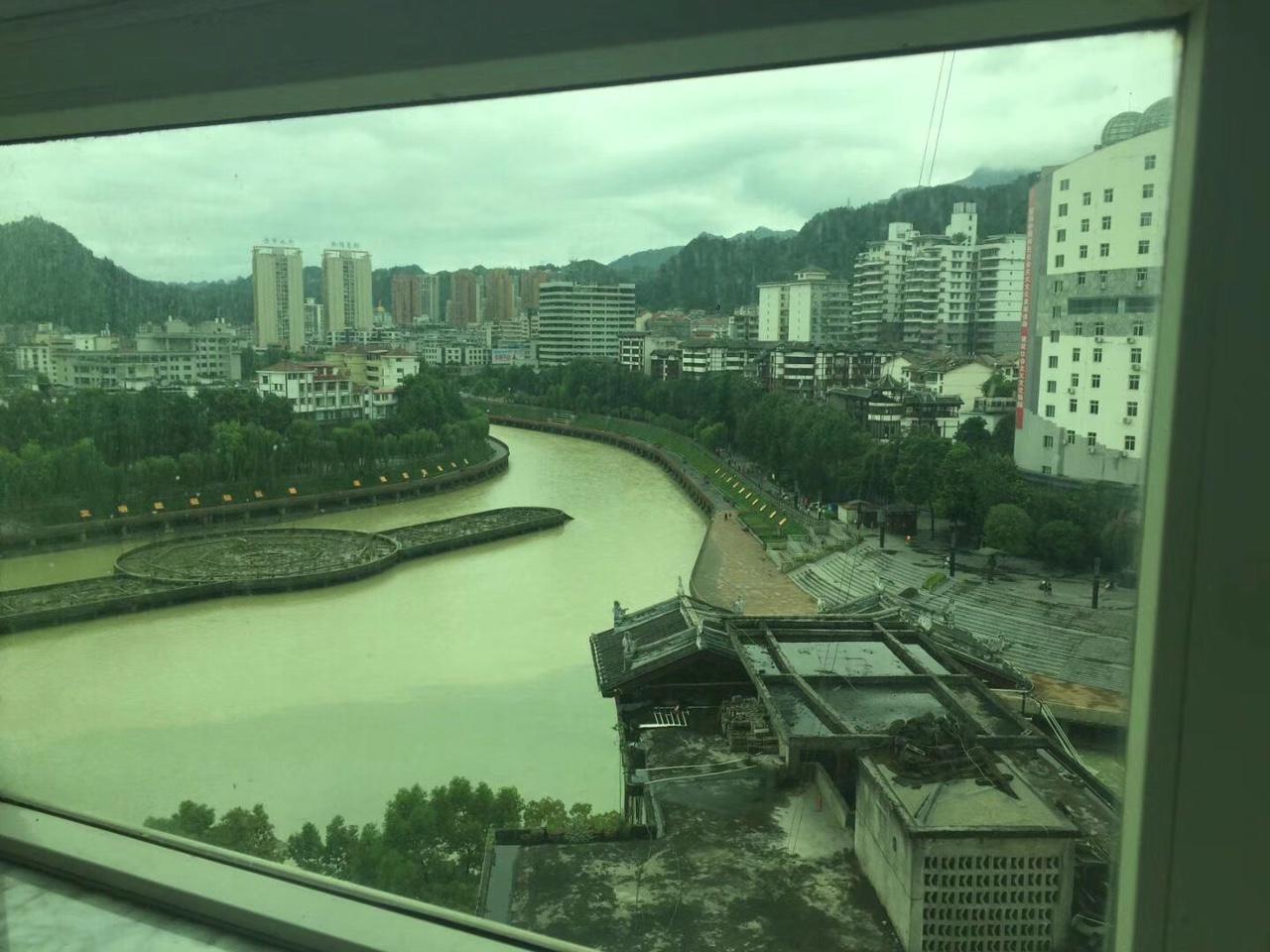 水厂精装4室江景房在家看喷泉采光一流!!