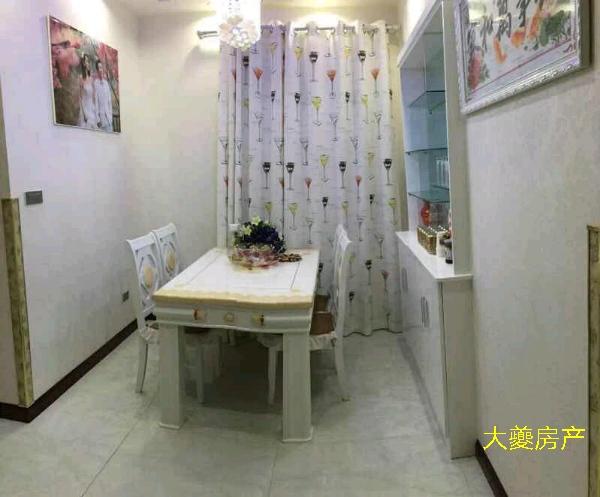 滨江新城4室2厅2卫85万元
