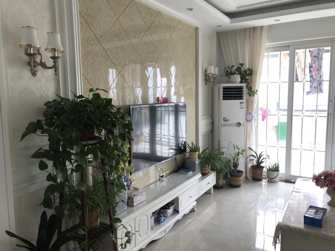華儒幸福時代精裝修兩居室67萬元