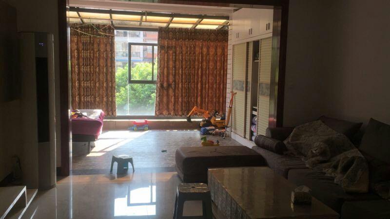 石韵苑4室2厅2卫67万元