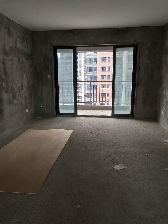 宝龙城市广场稀缺房源高层证计齐全一平仅售11000元