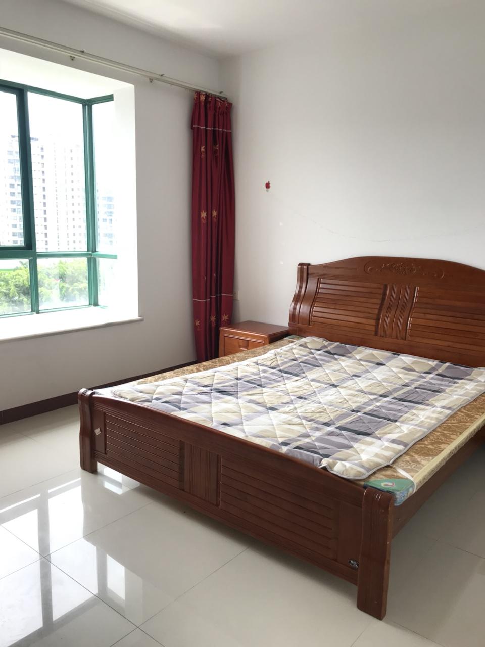 锦绣山庄首次出租,九成新,配备全套家具,拎包入住!