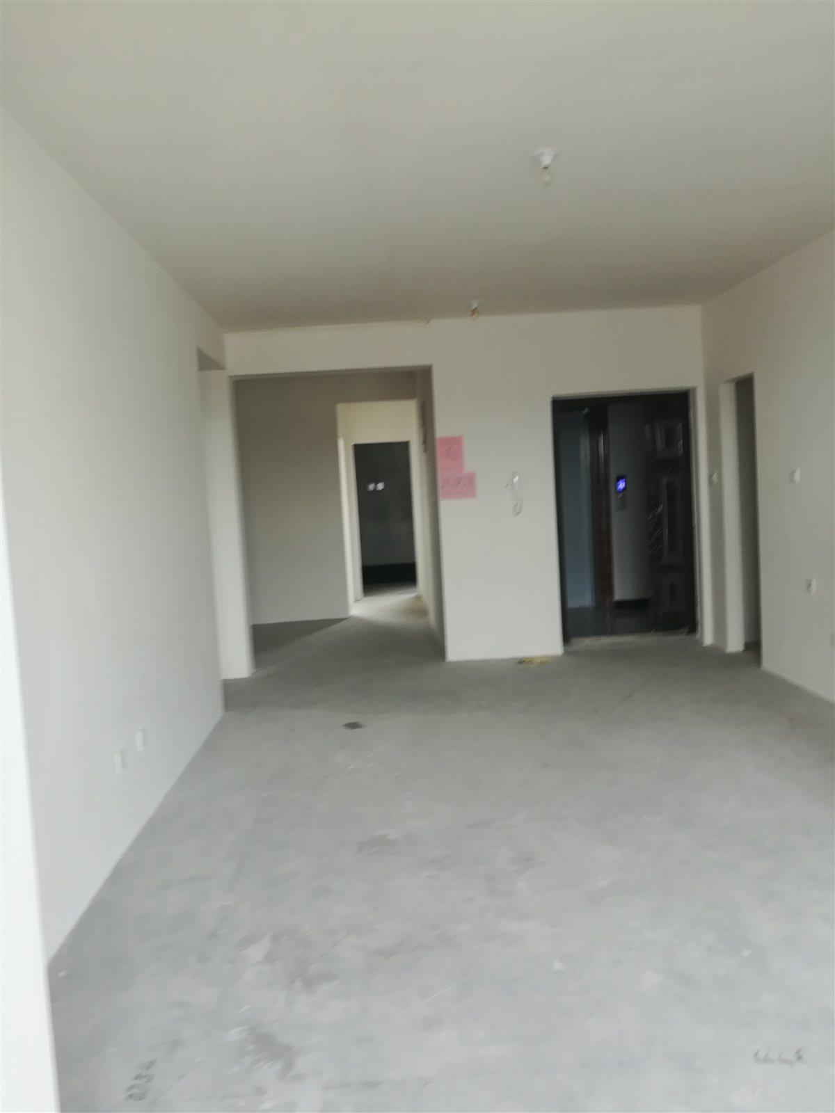 鑫城苑3室1厅1卫85.8万元
