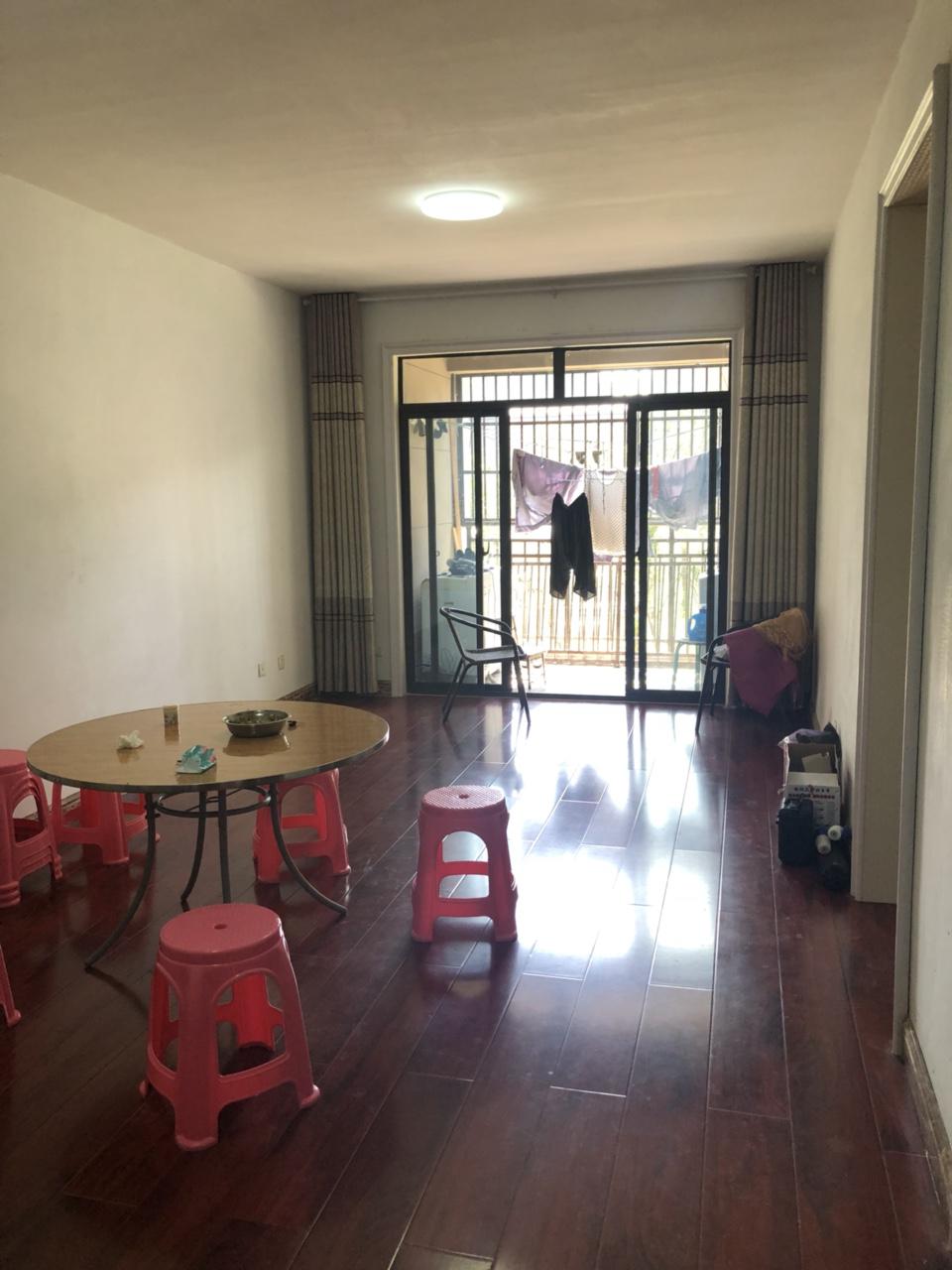 中泉首府3室2厅1卫简装106平80万元