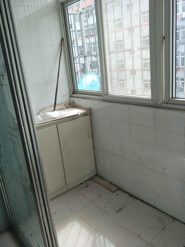 隆泰佳苑2室 2厅 1卫46万元