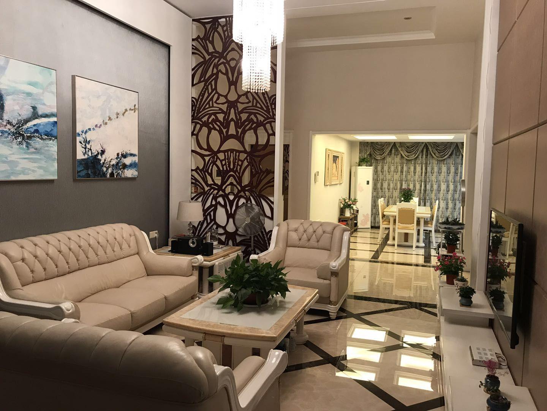 金煌花园豪装复式4室 2厅 3卫146万元